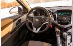 Chevrolet cruze или volkswagen polo — какой автомобиль лучше взять?