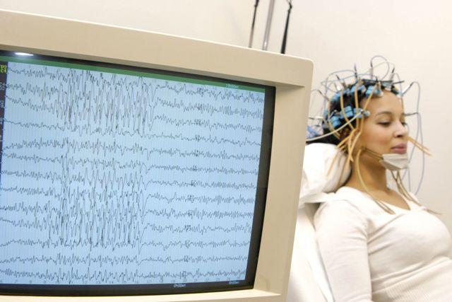 ЭЭГ и МРТ головного мозга: сравнение методов и что лучше