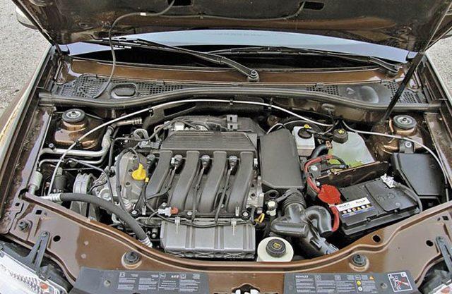 Какой автомобиль лучше купить renault duster или lada xray?