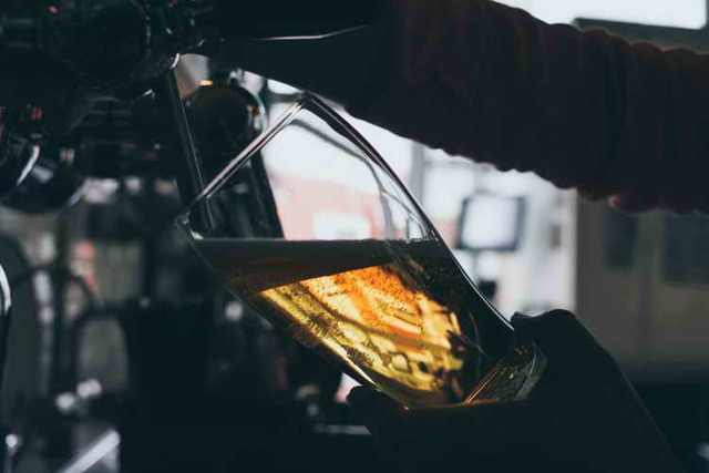 Чем разливное пиво отличается от бутылочного?