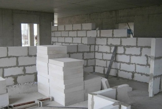 Пеноблок и пазогребень: сравнение и какой материал лучше
