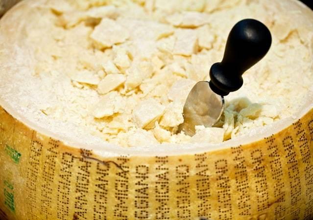 Твердый и мягкий сыр — чем они отличаются