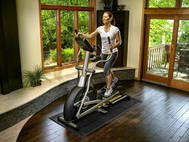Степпер и беговая дорожка: сравнение тренажеров и что лучше