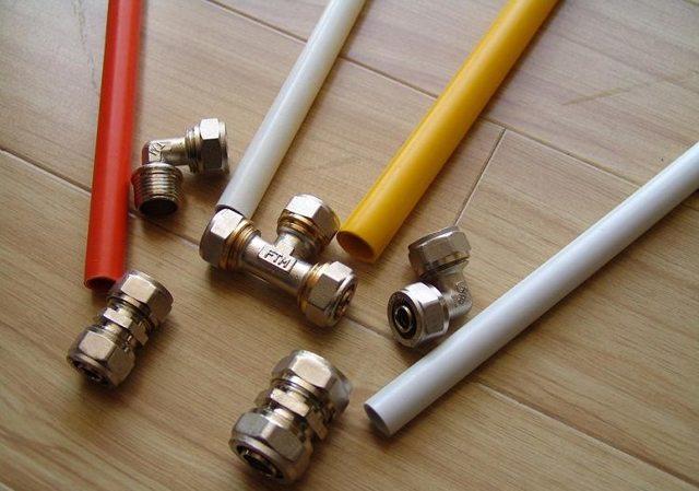 Что лучше выбрать полипропиленовые или металлопластиковые трубы?