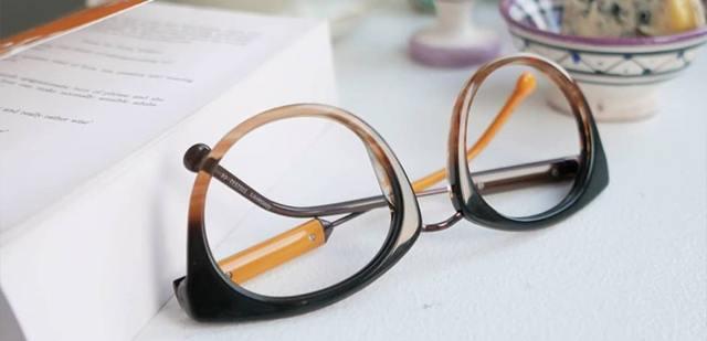 В чем разница между антибликовыми и поляризационными очками