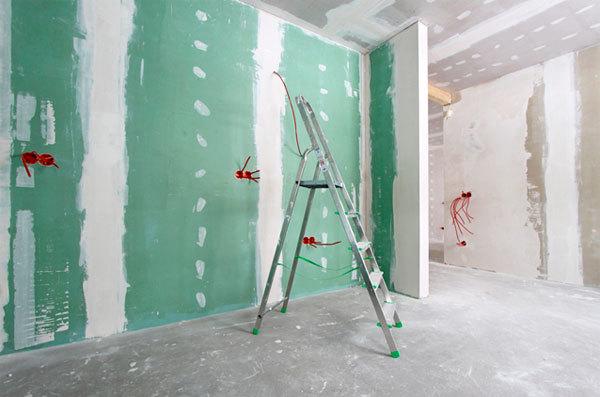 Что лучше выбрать для стен гипсокартон или штукатурку?