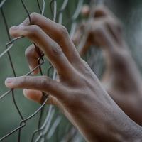 Ограничение свободы и условный срок разница