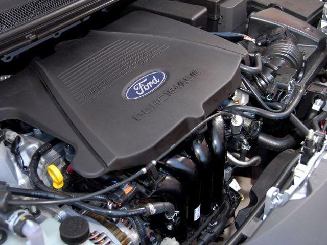 Какой автомобиль лучше купить ford focus или ford mondeo?