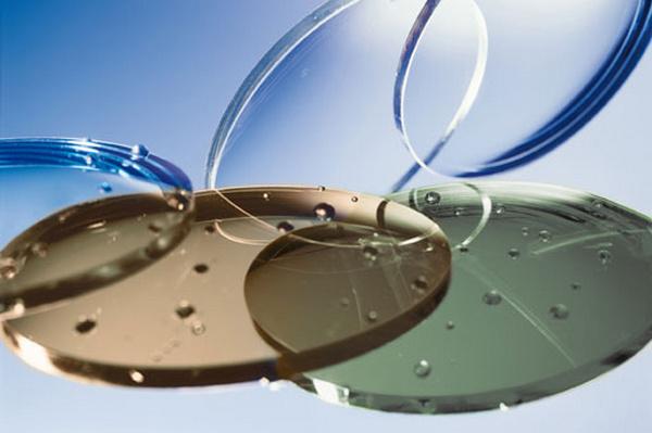 Какие линзы для очков лучше из стекла или пластика
